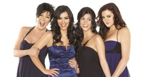 portada kardashians netflix 1 - El clan Kardashian regresa a Netflix en septiembre. Nuevos episodios de la familia más famosa
