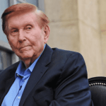sumner redstonex magnate multimillonario del cinex muere a los 97 axos  1.png 673822677 - Sumner Redstone, magnate multimillonario del cine, muere a los 97 años