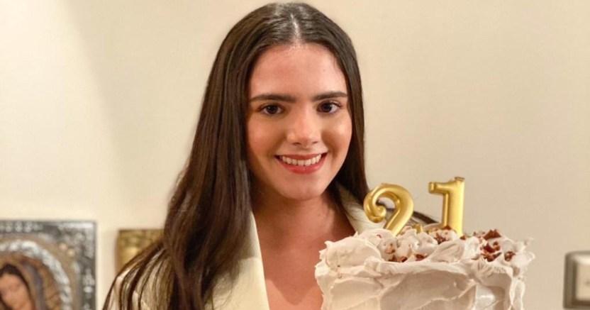 whatsapp image 2020 08 08 at 3 21 23 pm crop1598475304131.jpeg 673822677 - Ángela María cumple 21 años