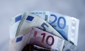 zona euro - La zona euro registró un desplome récord del PIB (-12.1%) y del empleo (-2.8%) en el segundo trimestre