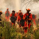 1cb68cba8cbef6c9b4f6d20337a46a90a7522c6d - Reclusos que luchan contra incendios en California podrán optar por empleos de bomberos tras cumplir sanciones