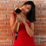ataque saxofonista oaxaca - urgen proceder contra hijo de Vera Carrizal por ataque a saxofonista