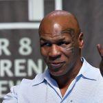 mike tyson pesaje - Así se encararon Mike Tyson y Roy Jones en la ceremonia de pesaje