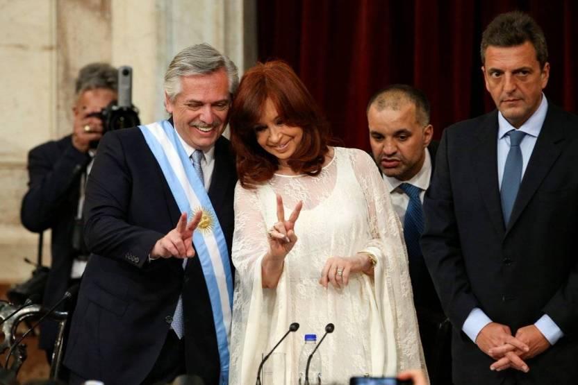 Alberto Fernandez asume presidencia de argentina y anuncia nuevo contrato social - Argentina ofrece intermediar para que Bolivia y Uruguay obtengan vacuna anticovid