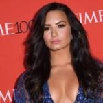 demi lovato - No tendrás que hacer zoom: Demi Lovato mostró de cerquita cómo lucen sus curvas en traje de baño (FOTOS)