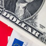 gettyimages 664508712 01 2 - A cuánto se vende el dólar hoy en México: El peso abre semana con ligero retroceso