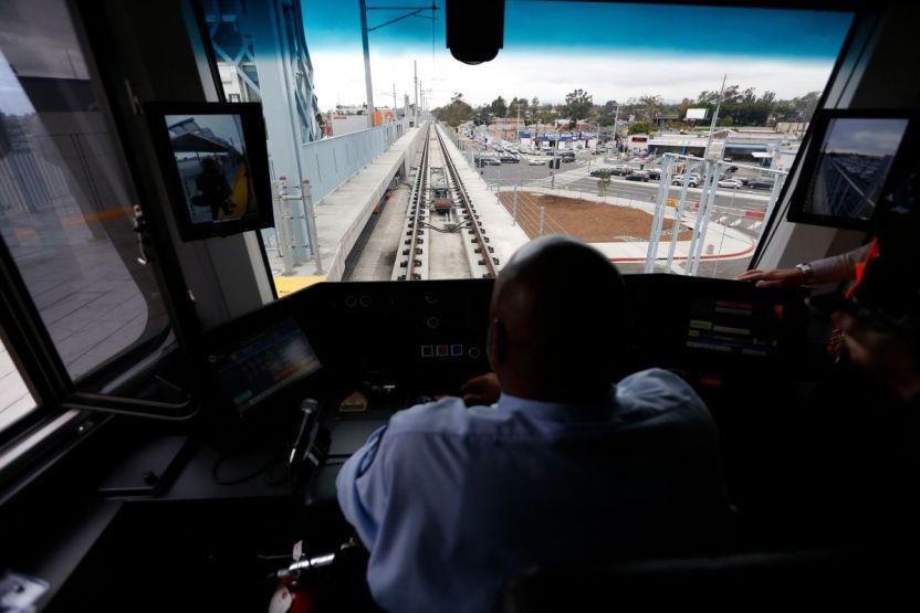 050916 13 metro expo line santa monica - Crece la recompensa para ayudar a capturar al hombre que le disparó a conductor del Metro de Los Ángeles