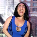 8902 CAROLINASANDOVALclaquetazoBETTYNY 012 e1609278066463 - Carolina Sandoval se mete a bañar con ropa para 'limpiar su alma'