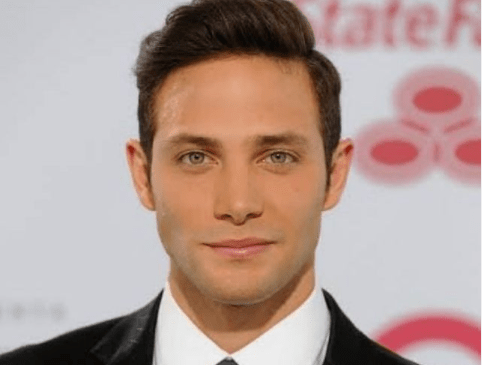 Gabriel Coronel - Este actor venezolano anunció que dio positivo al Covid-19