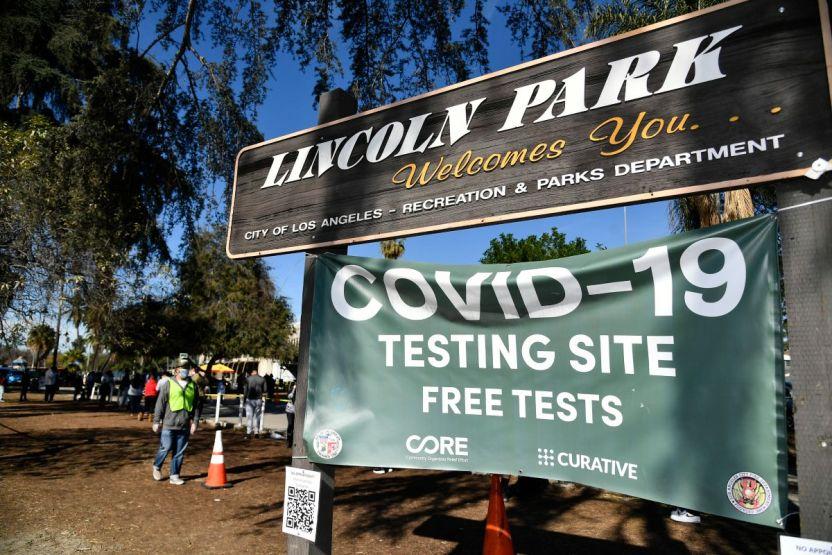 GettyImages 1293795760 - Tras informes de posibles falsos negativos, Los Ángeles suspende el uso de las pruebas PCR de Curative