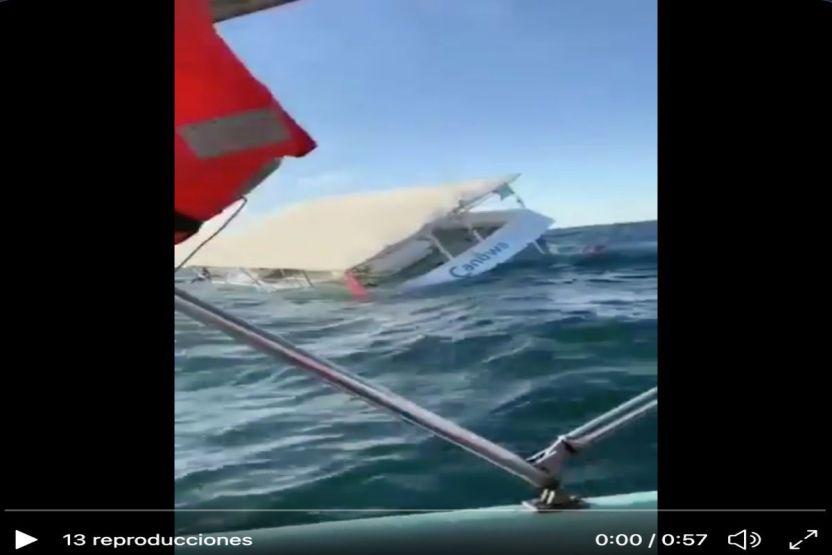 VIDEO  Momento exacto en que embarcación de turistas se hunde en México - VIDEO: Momento exacto en que embarcación de turistas se hunde en México