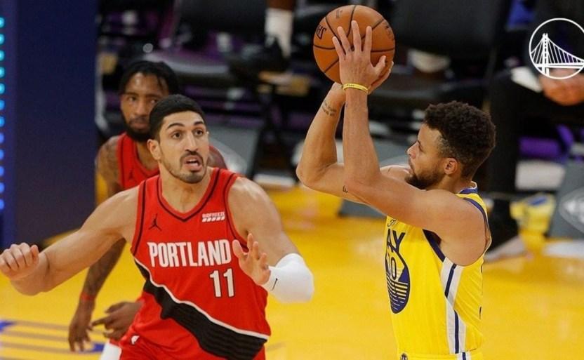 a   charlotte crop1609746709218.jpg 242310155 - Stephen Curry consiguió los 62 puntos en una noche de NBA