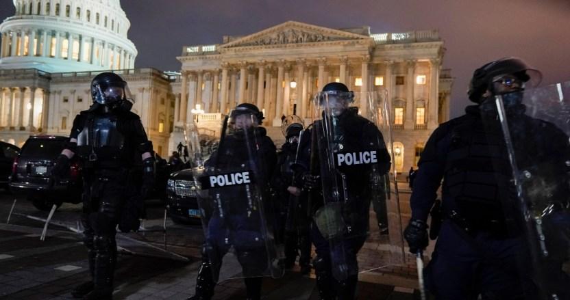 ap21006821244945 1 - El Congreso de Estados Unidos retoma sesión para corroborar el resultado de las elecciones