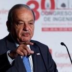 carlos slim conferencia mano levantada - El hombre más rico de México, Carlos Slim, recibe su cumpleaños 81 hospitalizado por la COVID