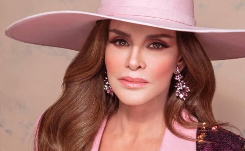 lucxa mxndez sombrero instagram 1 crop1610391064640.jpg 242310155 - !Ya es abuela! Lucía Méndez comparte feliz ¿Y Luis Miguel?