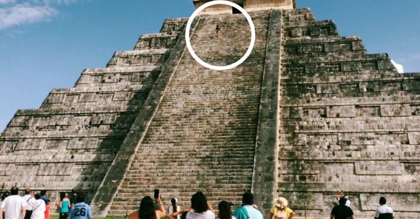 mujer chicen itza piramide esposo - Turista genera indignación al escalar la pirámide de Chichén Itzá. Quería cumplir una promesa, dicen