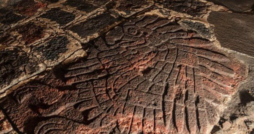 se 2501 9 - FOTOS: El INAH investiga bajorrelieve de un águila real encontrado al pie del Templo Mayor