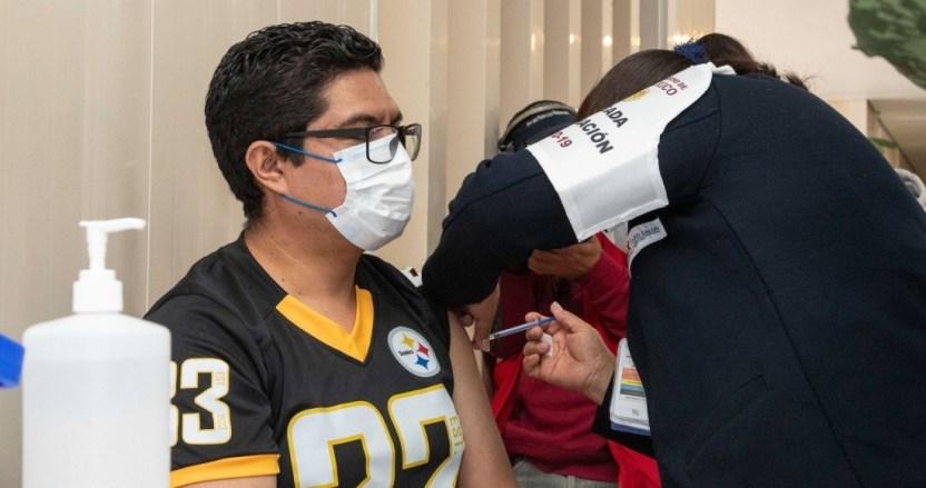 vacunacion covid playera steelers - Es indispensable que el sector privado participe en distribución y aplicación de las vacunas: Coparmex
