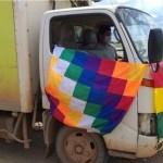 55 vacuna bolivia coronavirus pollos camion - Vacunas contra el COVID-19 llegan a ciudad de Bolivia en camión de pollos. No había otro transporte