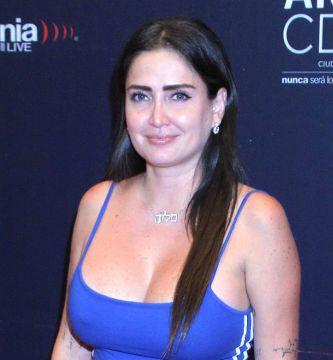 9602 CeliaLora001 e1594492275313 - Entre pétalos de rosas, Celia Lora posa sin ropa desde el jacuzzi