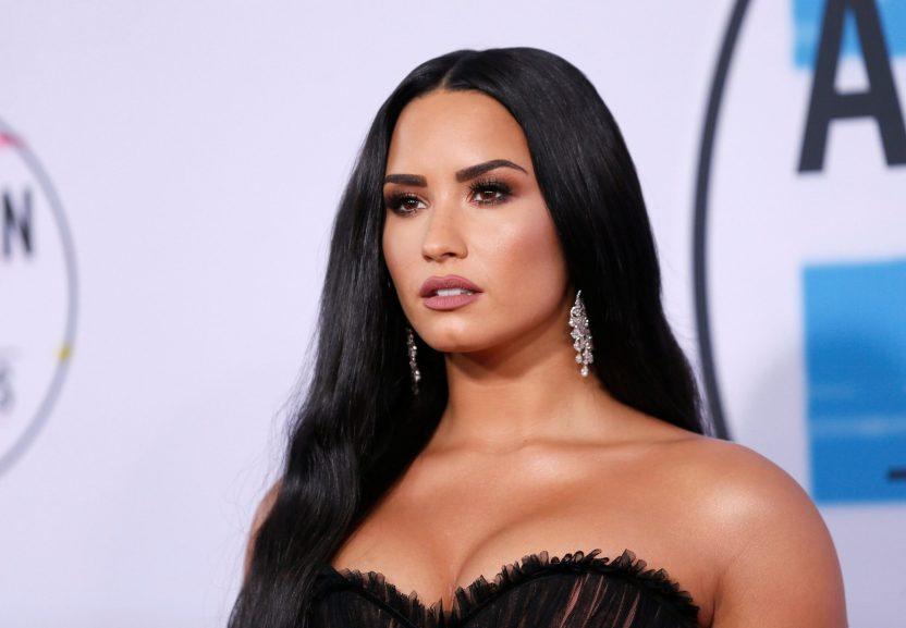Demi Lovato scaled - Demi Lovato confesó que tras su sobredosis sufrió daño cerebral y un ataque al corazón