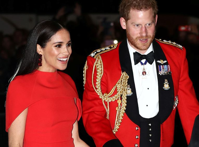 Harry y Meghan - Príncipe Harry tratará de evitar que su abuela retire sus títulos militares