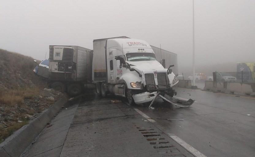 choque de trxileres la autopista monterrey saltillo crop1613245186926.jpg 242310155 - Choque de tráileres la autopista Monterrey-Saltillo