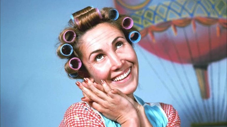 "3FBU2UCDTJE7VFZY24BJNHBL6U - La peculiar recomendación de ""Doña Florinda"" para evitar contagios por coronavirus en Semana Santa"