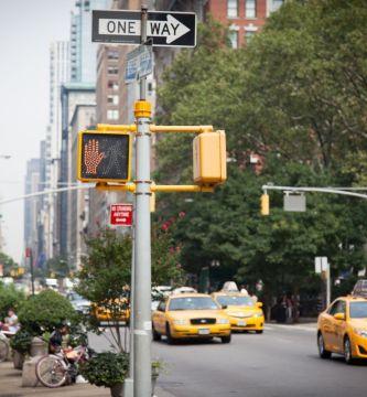 """Semaforo new york 2253292 1920 - 5 soluciones """"invisibles"""" que hacen a las ciudades más seguras"""