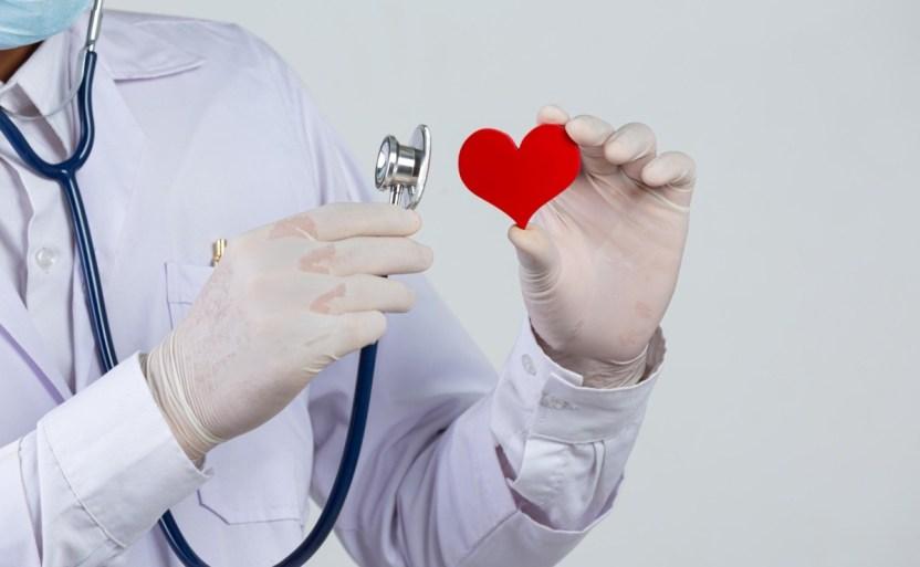 una mujer britxnica ha vivido con el corazxn en la mochila crop1615754456651.jpg 242310155 - Selwa Hussain ha tenido que vivir con el corazón en su mochila