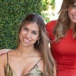 hija de Lili Estefan - Hija de Lili Estefan derrocha sensualidad al posar 'mojadita' y con poca ropa