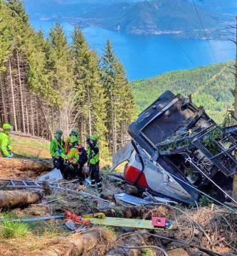 75a7be28 a400 46d5 9a0a 20f937e61c6c alta libre aspect ratio default 0 - Teleférico en Italia cae y pierden la vida 14 personas