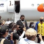seagal - Chavismo le pagó todo a Steven Seagal pa' que diera un paseo por Canaima en pandemia