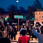 GettyImages 1228414374 - Denuncian despiadada golpiza de siete alguaciles del Sheriff de Los Ángeles: la víctima recibió hasta 86 golpes