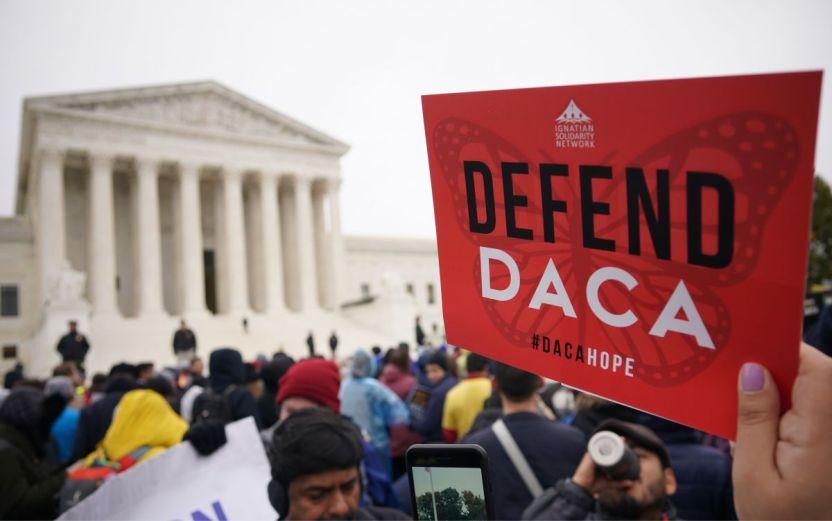 GettyImages 1181885065 - Condenan fallo de juez de Texas que niega nuevas solicitudes de DACA
