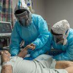 GettyImages 1230337375 - Estudio indica que latinos en California tienen más probabilidades de morir por COVID-19