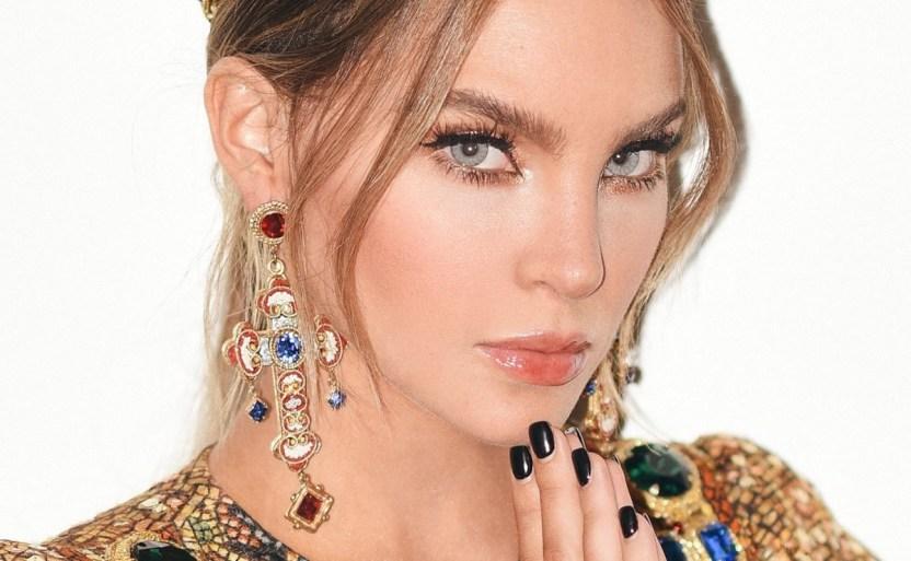 belinda queen pop facebook.jpg 242310155 - Belinda, en delgado vestido de encaje se corona la más bella