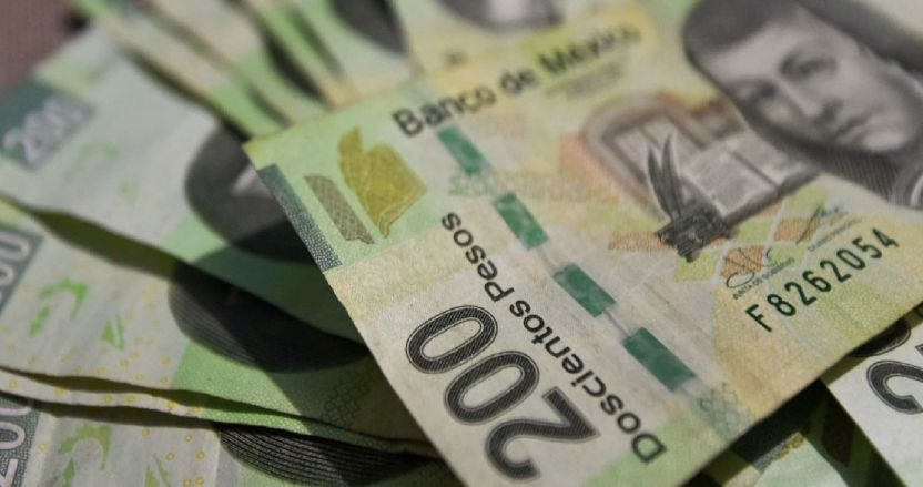 billetes 200 pesos - El peso se aprecia 0.75% y cierra la semana cotizando en 19.90 unidades por dólar