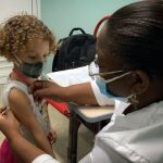 GettyImages 1234848353 - Cuba se convierte en el primer país del mundo en vacunar a niños de dos años en adelante