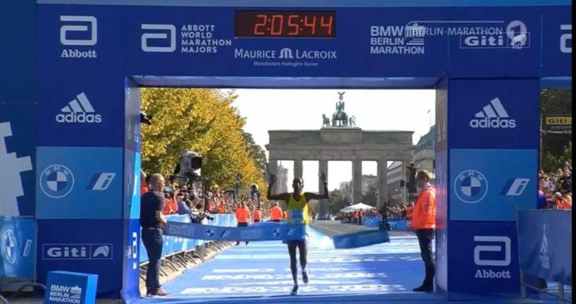 guye adola maraton berlin 2021 - Maratón de Berlín: el etiope Guye Adola gana en la reanudación del evento tras COVID