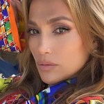 jennifer lopez 1.jpg 242310155 - Jennifer Lopez luce elegante vestido ¡con encantos libres!