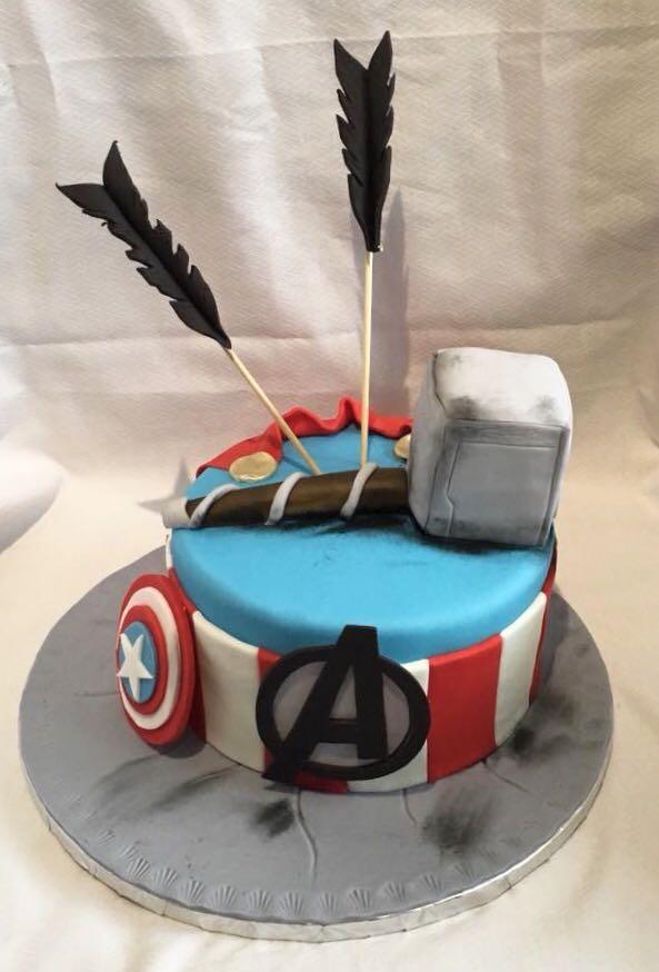 gateau anniversaire Avengers