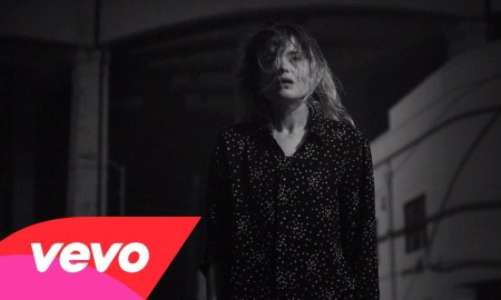 """The Dead Weather – """"I Feel Love (Every Million Miles)"""""""