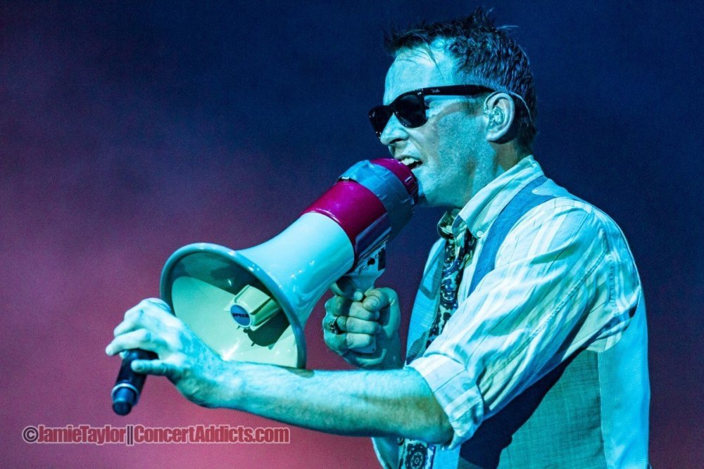 Scott Weiland of Stone Temple Pilots at Abbotsford Centre on Sep 17 2012