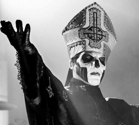 ghost-papa-emeritus-vancouver2016-popestar-jamie-taylor
