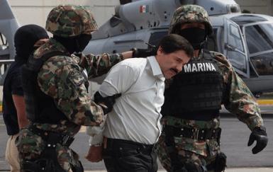 Chapo en el hangar de la Marina 3