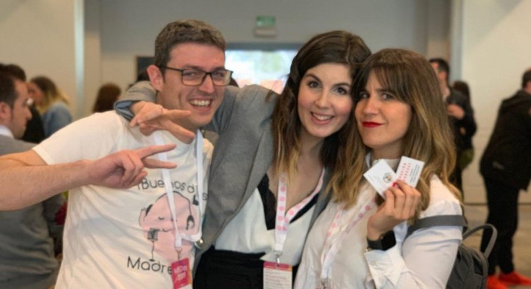 Foto de blogueros y blogueras en el MBDay Madresfera Bloggers day