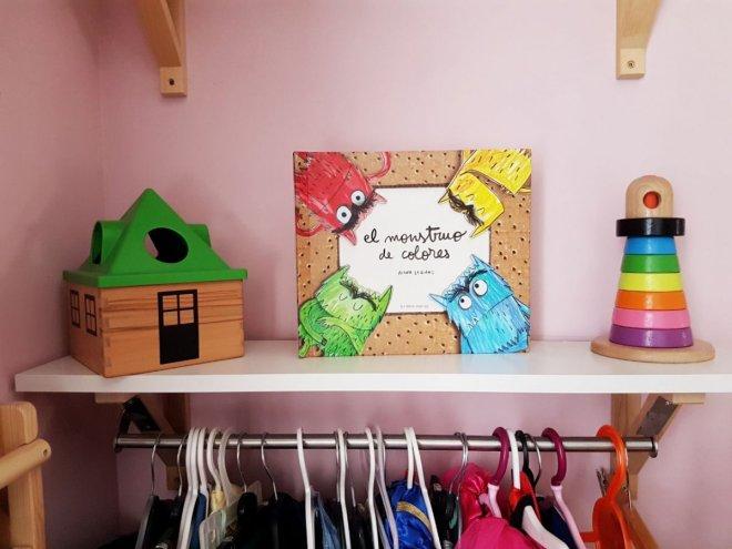 Foto del libro pop-up El monstruo de colores , ideal para identificar las emociones con niños de unos 4 años
