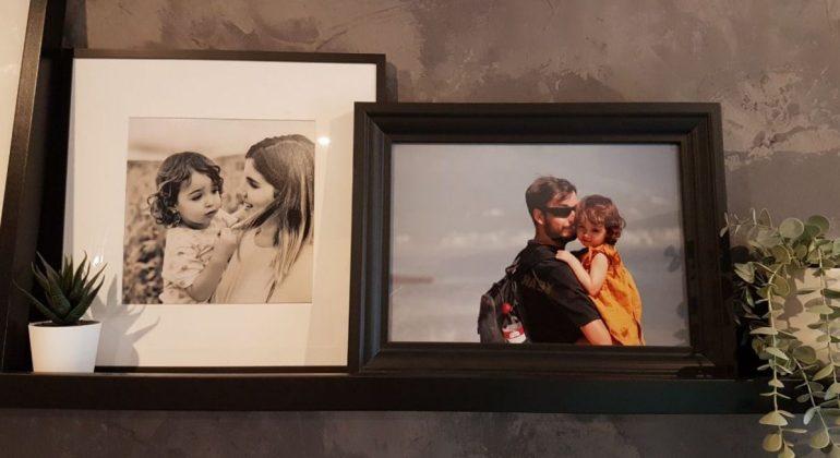 foto de madre con niña junto a foto de padre con niña, paso de mamitis a papitis