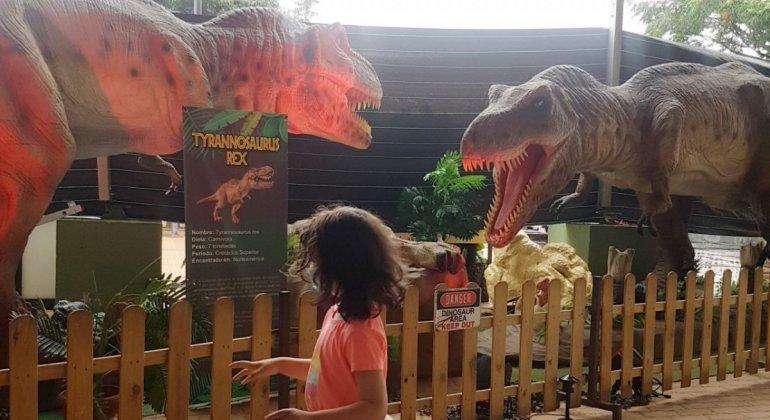 Mi peque de 4 años considera que Dinosaurs Tour si merece la pena